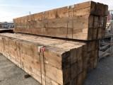 Vigas madera de pino antiguas con corteza. Miden 32x23 y sus largos van desde 6.3 mts a 6.50 mts