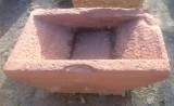 Pila de lavar antigua, mide 95 cm x 60 cm x 26 cm de alto.