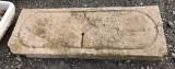 Piedra de sacrificio antigua. Mide 1.13 cm x 40 cm x 10 cm de gruesa