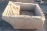 Pila de lavar de antigua, mide 1.12 cm x 88 cm x 50 cm de alto.