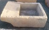 Pila de lavar antigua, mide 1.17 cm x 80 cm x 40 cm de alto.