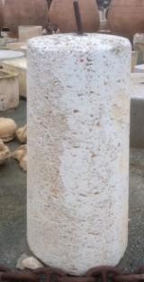 Rulo de piedra viva. Mide 56 cm de diámetro x 1.23 cm de alto
