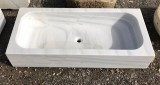 Fregadero de mármol blanco Macael. Mide 1 m x 45 cm x 18 cm de alto