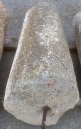 Rulo de piedra viva. Mide 58 cm de diámetro x 1.34 cm de alto.