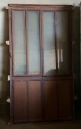 Alacenas antiguas de madera. Miden 1.22 cm x 2.21 cm de altas.
