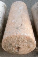 Rulo de piedra viva. Mide 57 cm de diámetro x 1.20 cm de alto.