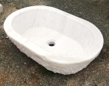 Pila ovalada de mármol, mide 70 cm x 46 cm x 18 cm de alta