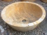 Lavabo de piedra amarillo travertino conico. Mide 45 cm de diámetro x 16 cm de alto.