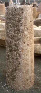 Rulo de piedra de rambla. Mide 45 cm de diámetro x 1.36 cm de alto