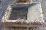 Pila de lavar antigua, mide 1.08 cm x 77 cm x 34 cm de alto.
