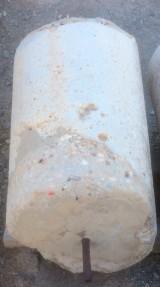 Rulo de piedra viva. Mide 62 cm de diámetro x 1 mt de alto