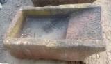 Pila de lavar antigua, mide 1.05 cm x 58 cm x 30 cm de alto.