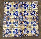 Azulejos antiguos. Miden 15 x 15 cm. Hay 181 piezas