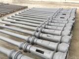 Farolas antiguas de fundición restauradas. Color negro forja. Miden 3,24 mts de altas x 30 cm de diámetro de base x 14 cm de diámetro en la parte alta.