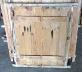 Alacena de madera antigua. Mide 71 cm de ancho x 86 cm de alto