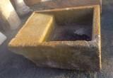 Pila de lavar antigua color amarillento mide 1.14 cm x 92 cm x 40 cm alta