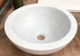 Lavabo de mármol redondo. Mide 40 cm de diámetro x 15 cm de alto