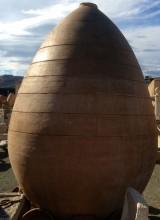 Tinaja de barro. Mide 2,80 cm altura x 1,82 cm diámetro.