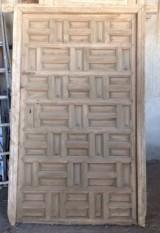 Puerta antigua de cuarterones, mide 1.83 cm x 1.17 cm