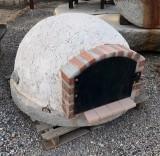 Horno de barro de 1.20 cm de diámetro. Aproximadamente pesa unos 800 kilos