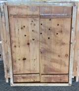 Alacena de madera antigua. Mide 76 cm de ancho x 1.01 cm de alto