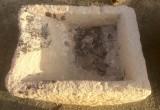 Pila de lavar antigua, mide 93 cm x 70 cm x 35 cm de alto.