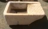 Pila de lavar antigua blanca mide 99 cm x 60 cm x 36 cm alta