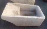 Pila de lavar antigua, mide 1.14 cm x 68 cm x 40 cm de alto.