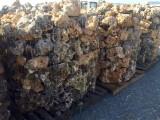 Palet de piedra de rocalla para jardines, ideal para bordillos o cercos de árboles. Decora por sí sola