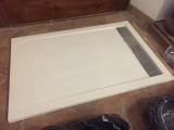 Plato de ducha de resina, color blanco. Mide 1.20 cm x 80 cm