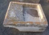 Pila de lavar antigua, mide 91 cm x 80 cm x 34 cm de alto