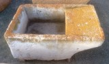 Pila de lavar antigua, mide 1.06 cm x 67 cm x 44 cm de alto