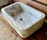 Lavabo de mármol italiano pulido. Mide 60 cm x 40 cm x 18 cm