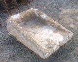 Pila de lavar antigua, mide 81 cm x 57 cm x 32 cm de alto.