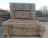 Traviesas de tren de madera de pino antiguas. Miden 23 x 14 cm y 2.60 ml