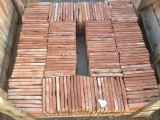 Losa de barro antigua. Mide 19x19x1,5 cm. En stock hay 173 Uds = 6,25 m2